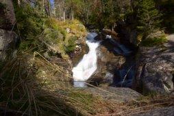 Malý vodopád je turisticky přístupný vodopád ve Studené dolině. Malý vodopád je jedním ze skupiny vodopádů Studeného potoka.